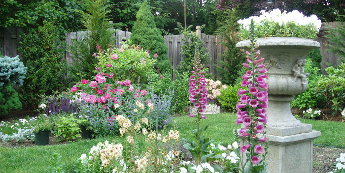 Cheap Ways To Make A Garden Look Nicer