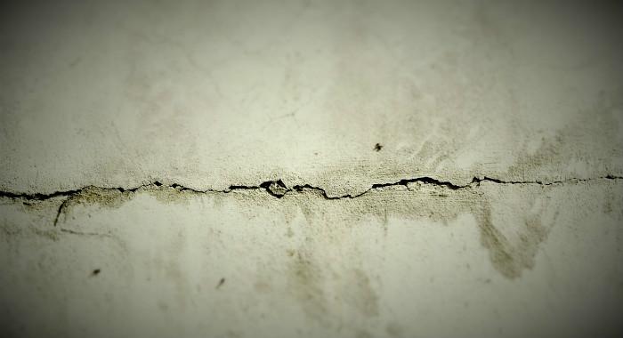 Horizontal Crack Subsidence