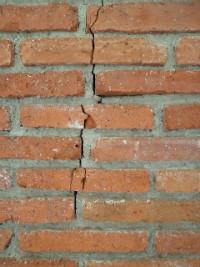 Vertical Crack Subsidence