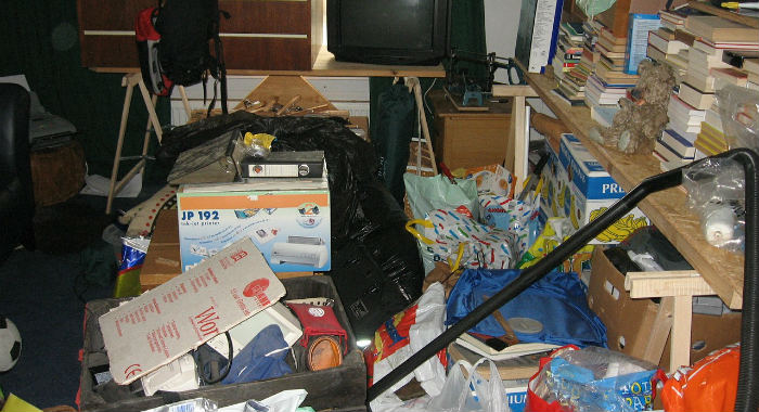 Untidy Room Puts Off Home Buyers