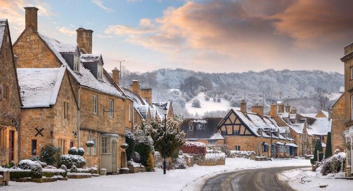 Selling a house in the winter might not be the best idea. However, there are always those that will try to rush things to spend Christmas in a new house.