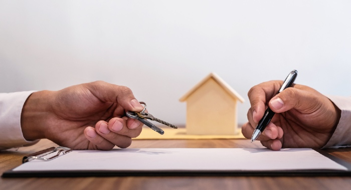 Make sure you read the contract you signed with the estate agent in case you want to pull out from a house sale as a seller.